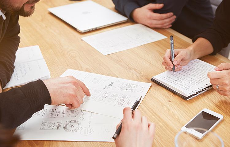 Alaventa GmbH Designagentur für innovative Kommunikation Jan Lengwenat Diplom Designer zusammen mit Team